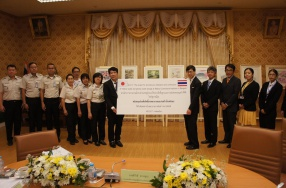 อัครราชทูตญี่ปุ่น ประจำประเทศไทย ส่งมอบโรงพักขยะและรถพยาบาล
